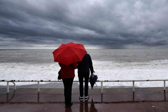En novembre, sortez vos parapluies pour faire face à un déluge d'histoires et de contes en tous genres.