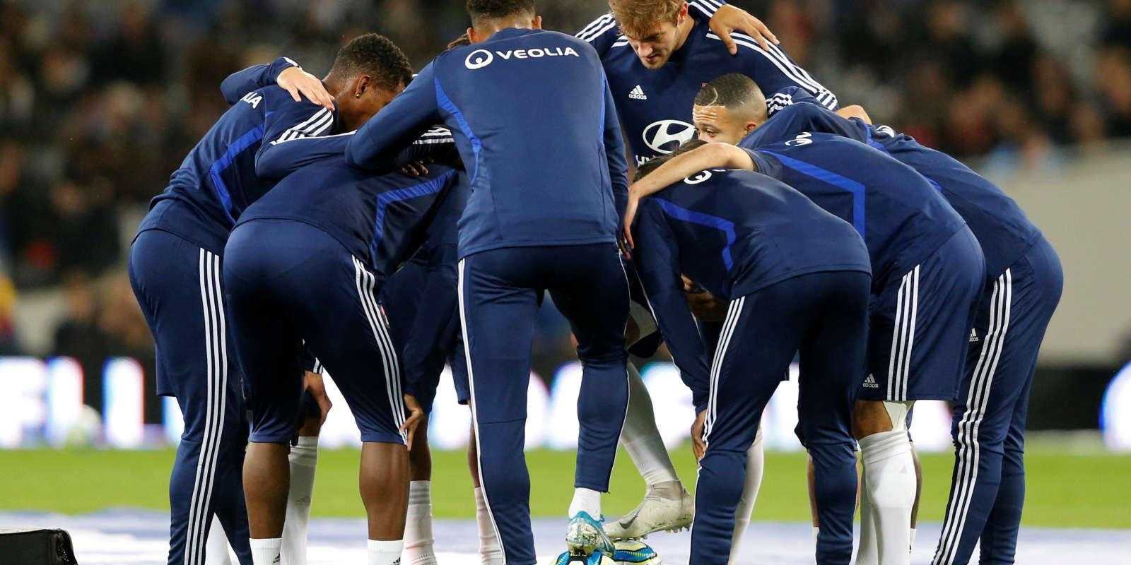 Les Lyonnais à l'échauffement avant le match de Ligue 1 contre Toulouse, le 2 novembre