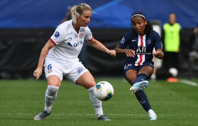 La Lyonnaise Amandine Henry et la Parisienne Perle Morroni, lors du Trophée des championnes.