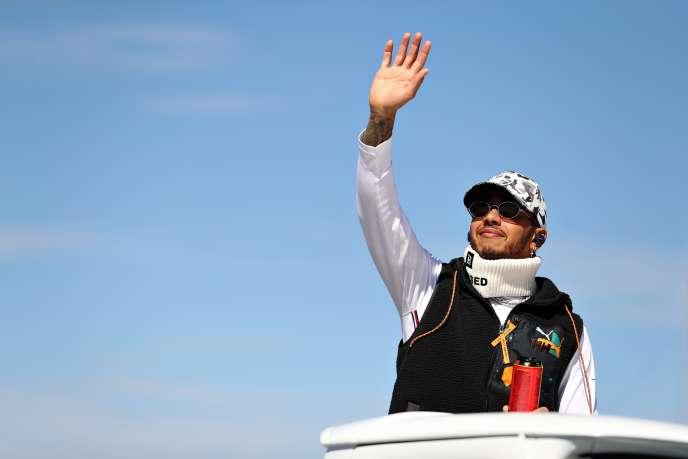 Lewis Hamilton khi đến Circuit of the America vào ngày 3 tháng 11 năm 2019 tại Austin, Texas.