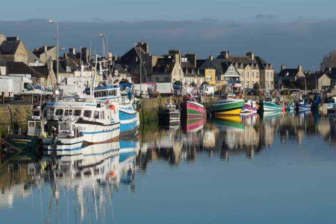 Le port de Saint-Vaast-la-Hougue.