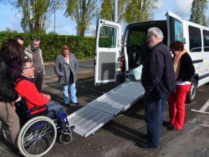 Titi-Floris estspécialisée dans le transport de personnes à mobilité réduite.