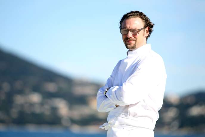 Arnaud Donckele, chef du restaurant La Vague d'or à Saint-Tropez, en avril 2013.