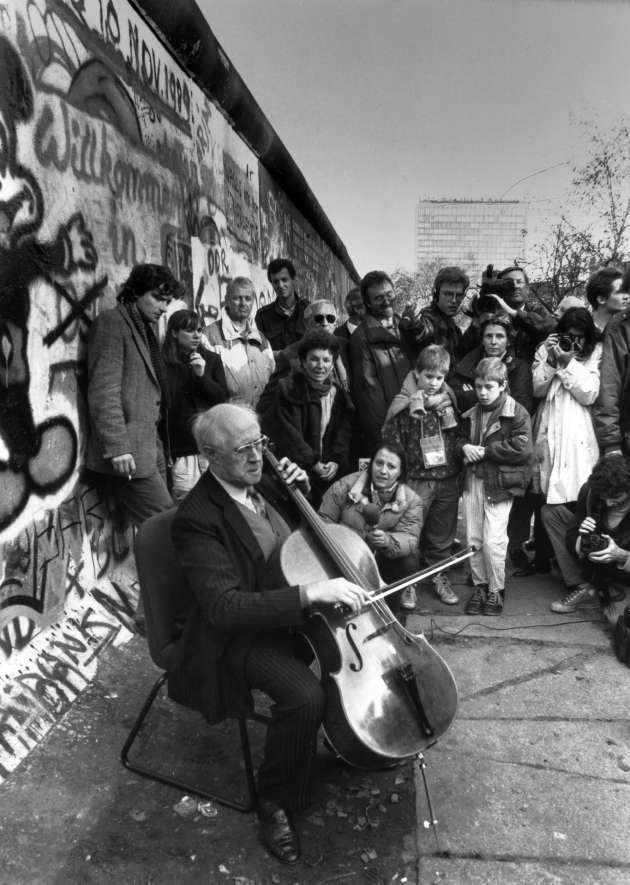 Mstislav Rostropovitch à Berlin, le 11novembre 1989.
