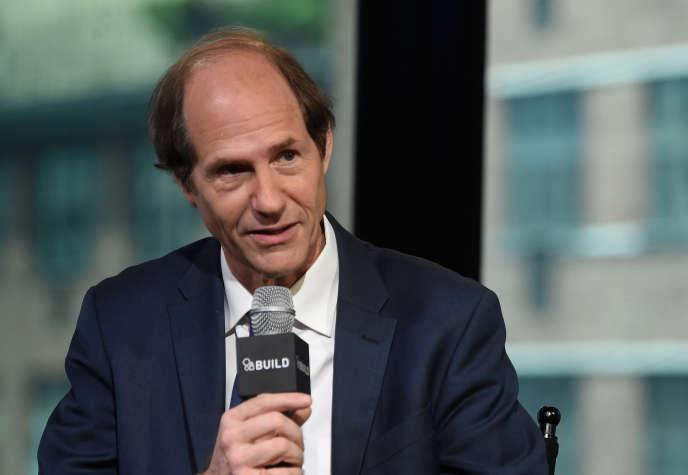 Cass Sunstein assiste à la série de conférences AOL Build Speaker - Cass Sunstein, «Le monde selon Star Wars» dans les studios AOL à New York le 31 mai 2016 à New York.