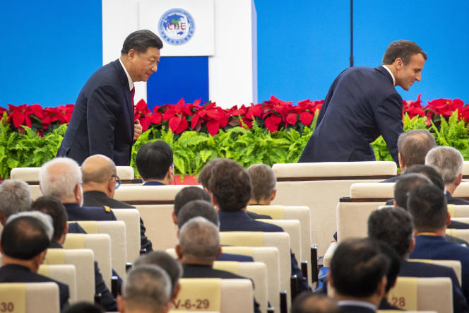 Emmanuel Macron et Xi Jinping participent à la cérémonie d'ouverture de la Foire internationale des importations de Shanghaï, le 5 novembre.