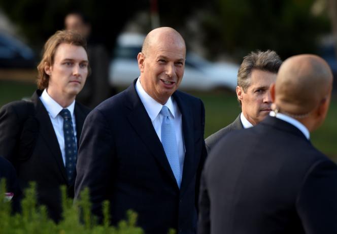 L'ambassadeur des Etats-Unis auprès de l'Union européenne, Gordon Sondland, arrive à son audition devant la Chambre des représentant, à Washington, le 17octobre.