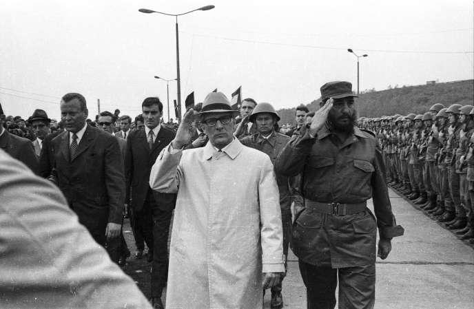Fidel Castro et Erich Honecker, à Leuna, en RDA, en juin 1972.