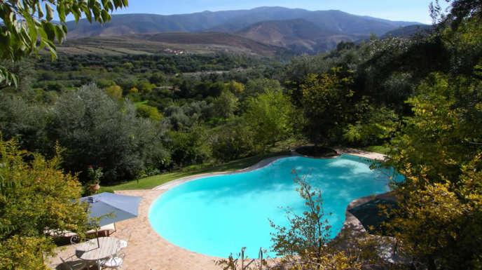 Hồ bơi của Morocco Lodge, ở Amizmiz, độ cao 1000 mét.