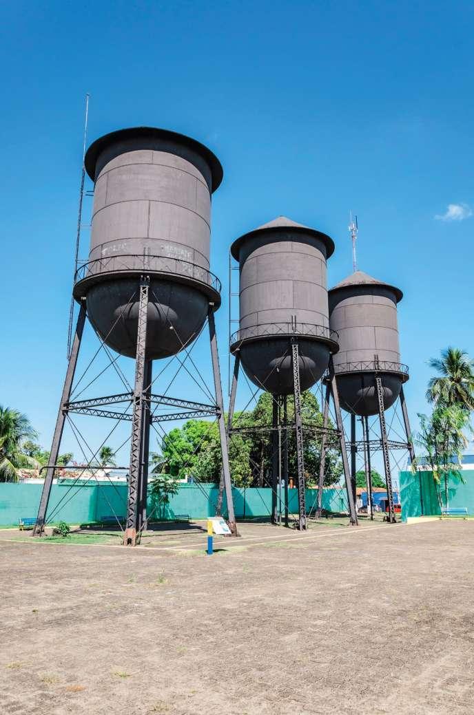 Les trois réservoirs d'eau de Porto Velho furent érigés en 1910, en même temps que cette ville de l'ouest amazonien.