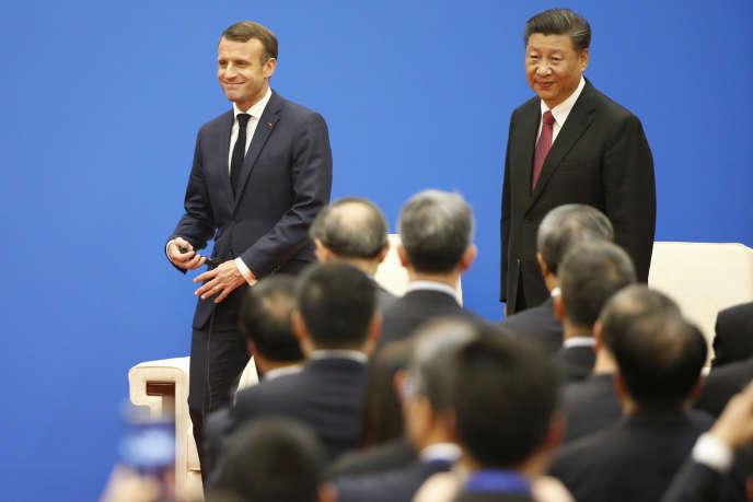 Le président Emmanuel Macron, et le président Xi Jinping, le 6 novembre à Pékin au Forum économique Chine-France.
