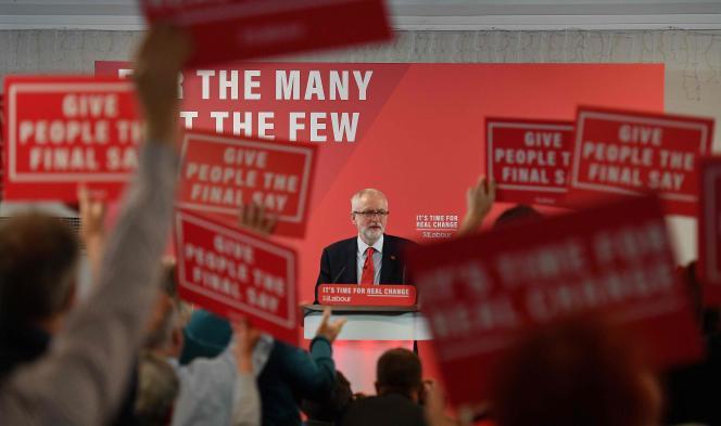 Le leader du parti travailliste d'opposition Jeremy Corbyn donne un discours sur ses projets pour le Brexit, le 5 novembre à Londres.