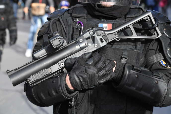 Un adolescent de 15 ans avait eu la mâchoire brisée par un tir de lanceur de balles de défense le 12 janvier à Strasbourg, en marge d'un rassemblement de « gilets jaunes ».