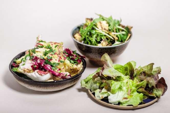 Trois salades : d'hiver, verte à l'ail et d'herbes.