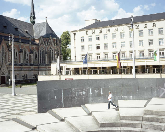 Chemnitz, được đổi tên thành Karl-Marx-Stadt cho đến khi kết thúc CHDC Đức, là cảnh biểu tình chống người di cư vào năm 2018.