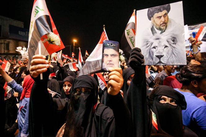 Des irakiens chiites, partisans de Moqtada Al-Sadr, manifestent à Bagdad (Irak) contre le conflit entre l'Iran et les Etats-Unis, le 24 mai.