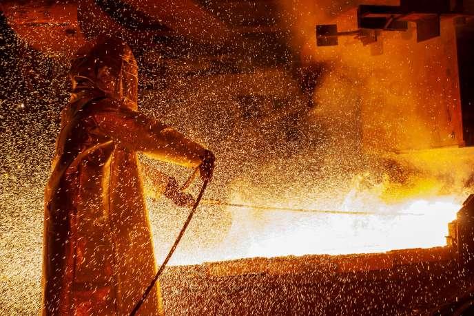 Dans une usine de transfortmation du nickel, à Soroako, en Indonésie, en mars.