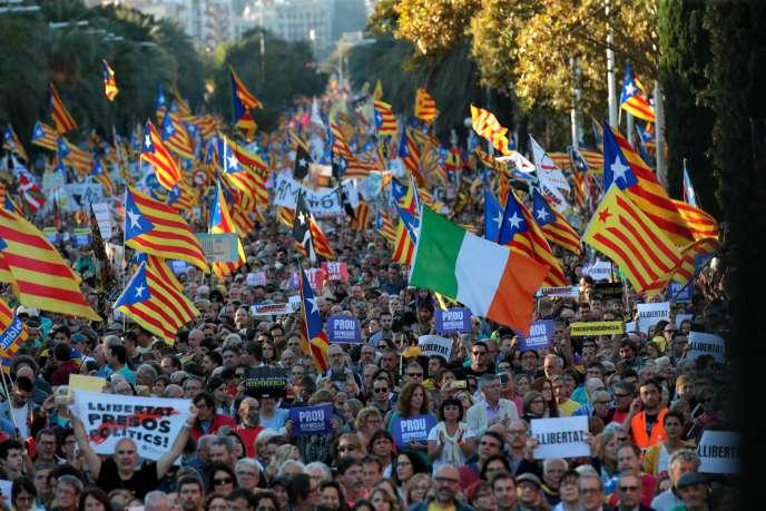 Manifestation pour la libération des prisonniers politiques et l'indépendance de la Catalogne, le 26octobre2019, à Barcelone.