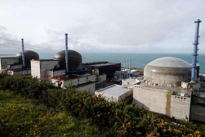 Xây dựng lò phản ứng EPR tại Flamanville (Manche), ngày 16 tháng 11.