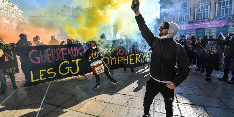 """Một vài ngàn cuộc diễu hành """"áo vàng"""" ở Montpellier, Strasbourg, Toulouse hoặc Bordeaux"""