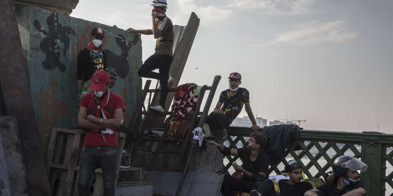 Baghdad, Irac, ngày 7/11/2019  Người biểu tình hiện đang chiếm một cây cầu thứ ba, al-Ahrar (