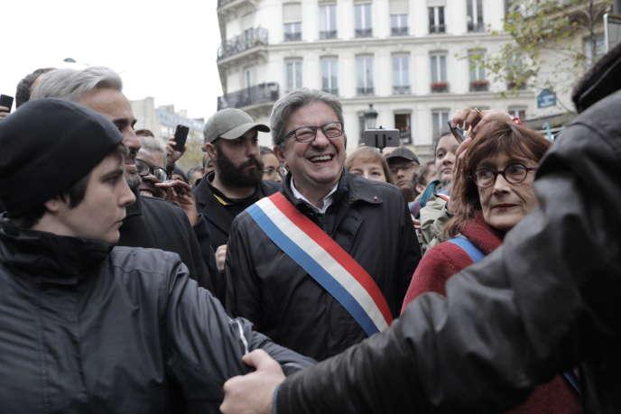"""Jean-Luc Mélenchon, trong cuộc tuần hành """"Ngừng Hồi giáo"""" tại Paris, Chủ nhật, ngày 10 tháng 11."""