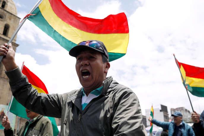 Lors d'une manifestation contre le président Evo Morales, à La Paz, le 10 novembre.