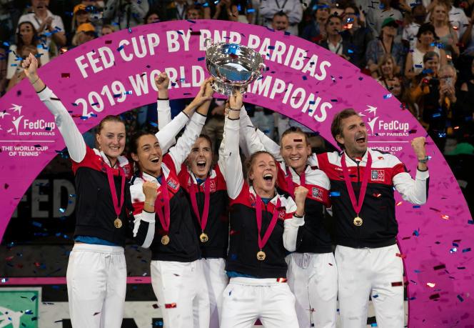 La France s'adjuge la troisièmeFed Cup de son histoire face aux Australiennes.