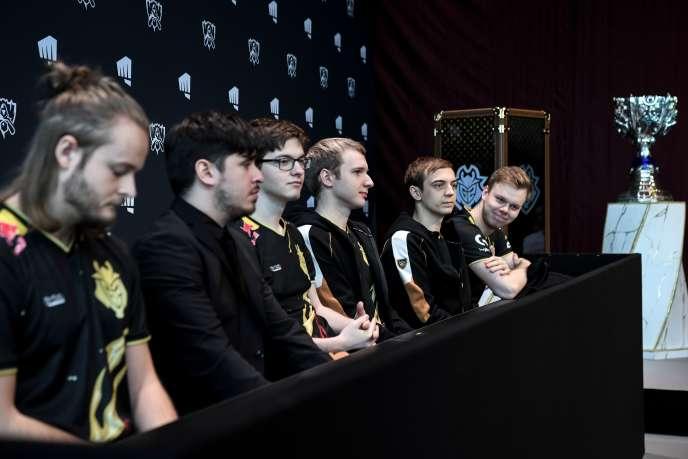 L'équipe européenne G2 Esports en conférence de presse avant la finale de «League of Legends», le 8 novembre à Paris.