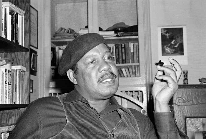 Ernest Gaines, en 1977, dans sa maison de San Francisco.
