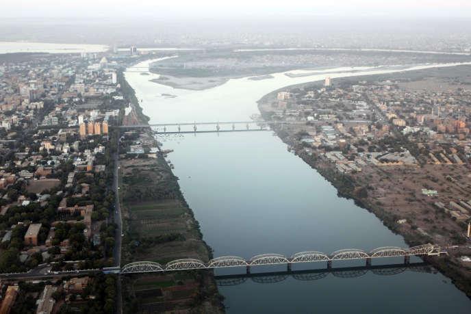 Jonction du Nil Blanc et du Nil Bleu à Khartoum, au Soudan. Ici, en janvier 2011.