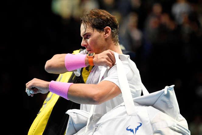 Le numéro un mondial, Rafael Nadal, a été largement dominé 6-2, 6-4 en 1h24 par l'Allemand Alexander Zverev