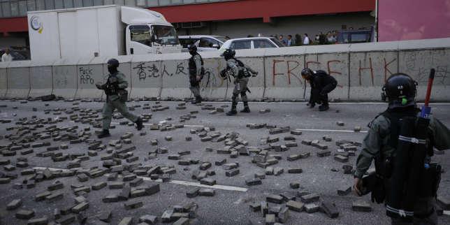 A Hongkong, la police ouvre le feu contre des manifestants