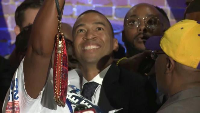 Steven Reed après sa victoire à l'élection à la mairie de Montgomery, en Alabama, le 9 octobre.