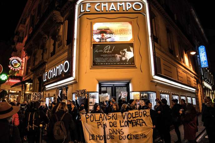 Mobilization before the entrance of Le Jampo cinema in the Latin Quarter, Paris, on November 12th.