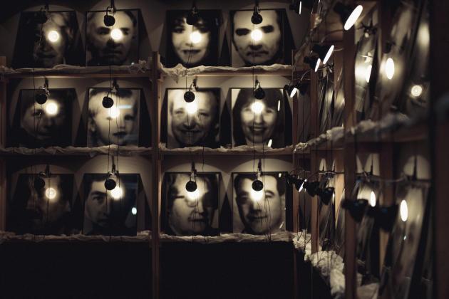 «Réserve des Suisses morts»(1990), de Boltanski.