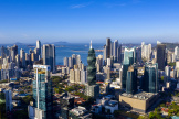 Vue aérienne du quartier des affaires de la ville de Panama en avril 2019.