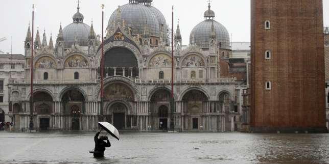 https://www.lemonde.fr/international/article/2019/11/12/en-italie-venise-touchee-par-une-maree-haute-historique_6018915_3210.html