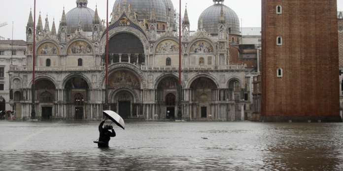 En Italie, Venise touchée par une « marée haute » historique