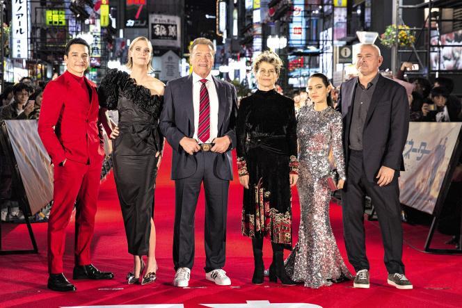 Le 6 novembre 2019, à Tokyo, au Japon, Gabriel Luna, Mackenzie Davis, Arnold Schwarzenegger, Linda Hamilton, Natalia Reyes etTim Millerassistent à la première de «Terminator, Dark Fate»,sur Shinjuku Kabuki-cho Godzilla Road.