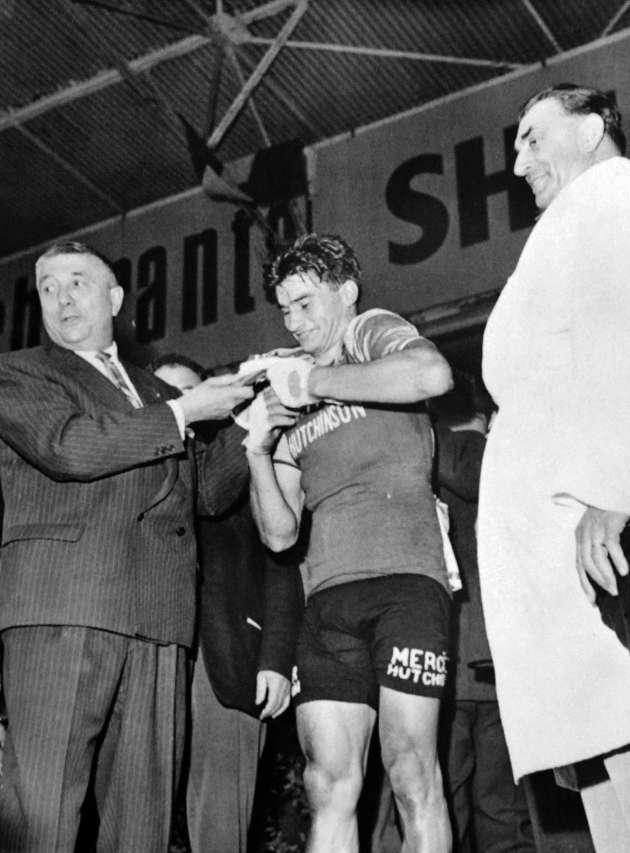 Le 18 juin1961, Poulidor est sacréchampion de France sur le circuit de Rouen-les-Essarts.