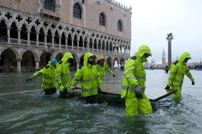 Sur la place Saint-Marc, à Venise, en Italie, le 12 novembre.