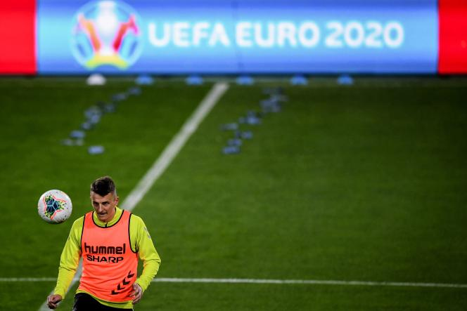 « Ce n'est pas un modèle pour le futur», a déclaré Aleksander Ceferin, le président slovène de l'Union des associations européennes de football (UEFA), à propos de l'organisation de l'Euro 2020.