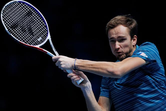 Daniil Medvedev, mercredi 13 novembre, lors du match contre Rafael Nadal.