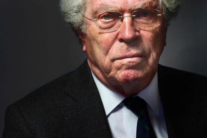 Pierre Joxe, dans son bureau parisien, le 19 décembre 2014.