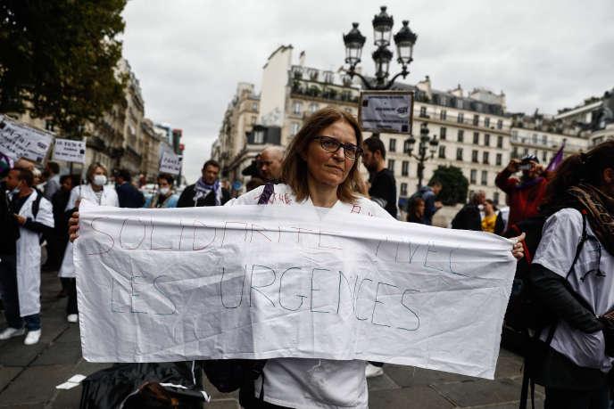 Manifestation d'urgentistes, à Paris, le 26 septembre.