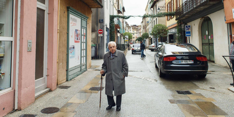 Municipales : à 94 ans et après 4 mandats, le maire de Pamiers n'est pas prêt à lâcher son trône - Le Monde