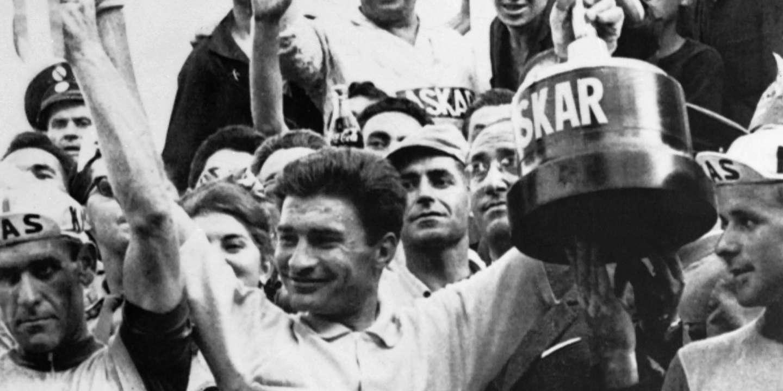 """Raymond Poulidor, """"người thứ hai vĩnh cửu"""" thường đến đầu tiên"""