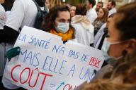 Manifestation des personnels hospitaliers, à Paris, jeudi 14 novembre 2019.