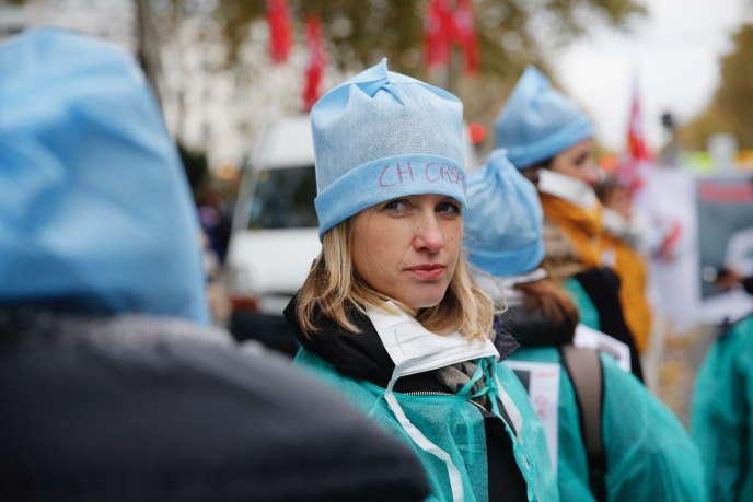 Huy động quốc gia của các nhân viên điều dưỡng cho bảo vệ bệnh viện công, tại Paris, vào ngày 14 tháng 11.